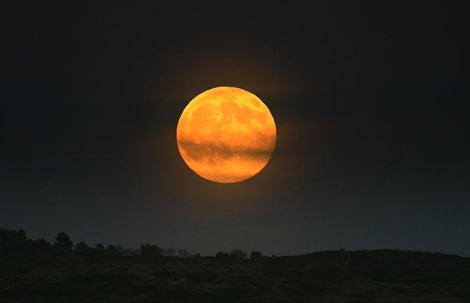 De maan en haar invloed op onze huid.
