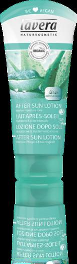 After Sun Lotion After Sun Lotion Na het zonnen heeft de huid extra verzorging nodig. De After Sun Lotion met vochtinbrengende, organische aloë vera verkoelt en verwent de huid. Rijke organische sheaboter heeft een voedend effect en maakt de huid zijdezacht. De verkoelende en verzorgende lotion wordt snel opgenomen door de huid en biedt 24 uur hydratatie, voor een langere bruine teint. € 8,00